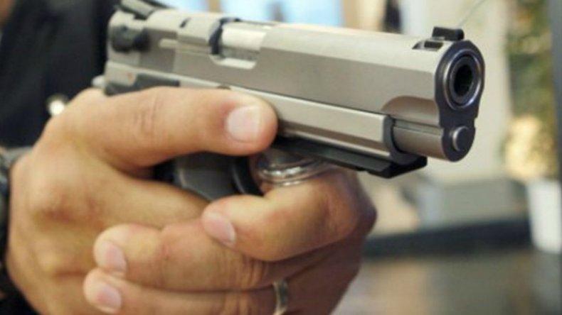 Una banda de tres delincuentes  protagonizó un asalto en el Centro