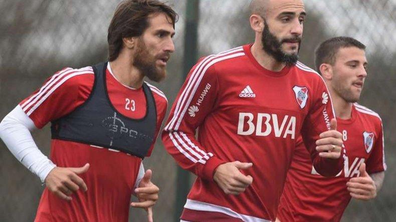 Javier Pinola podría debutar oficialmente el martes con la camiseta de River.