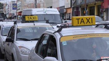 el concejo tratara el aumento de la tarifa de taxis