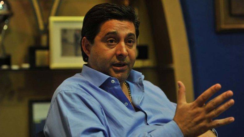 Angelici dejó en claro que habla seguido con Carlos Tevez