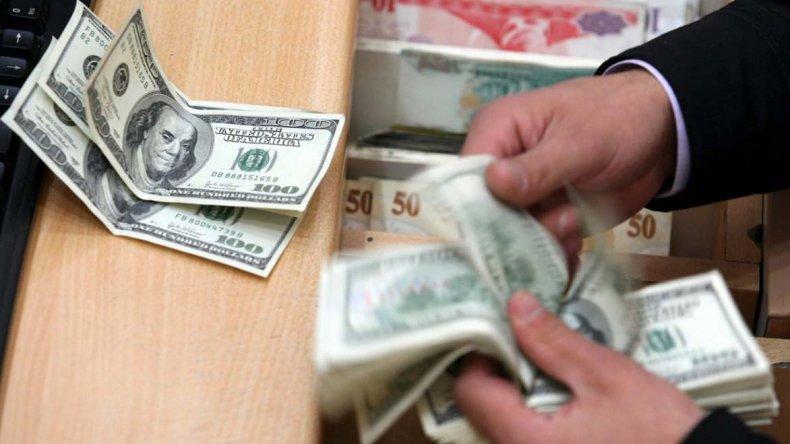 El dólar minorista se  mantiene en $17,86