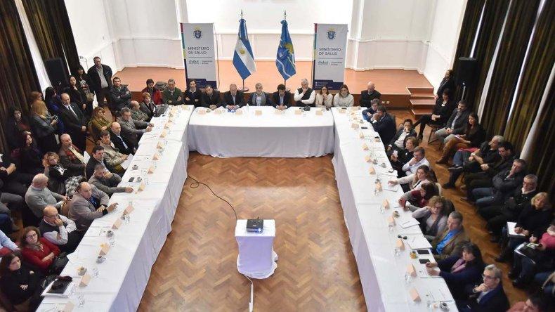 El gobernador Mario Das Neves encabezó ayer
