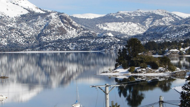 Villa Pehuenia en invierno ofrece mágicos paisajes para disfrutar.