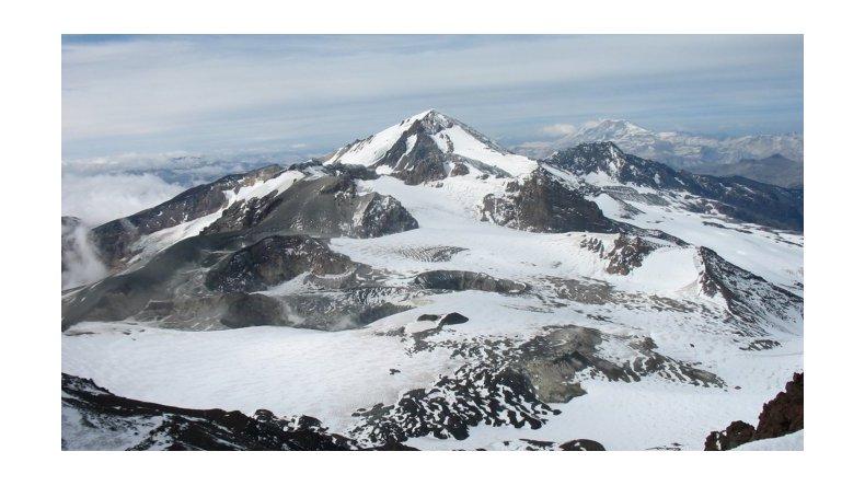 Mendoza: alerta amarilla por la actividad del volcán Peteroa