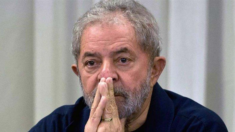 El juez halló culpable a Lula de los delitos de corrupción pasiva y lavado de dinero.