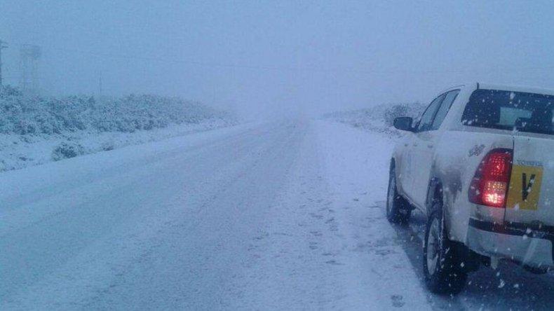 Rutas transitables con precaución: calzada con nieve