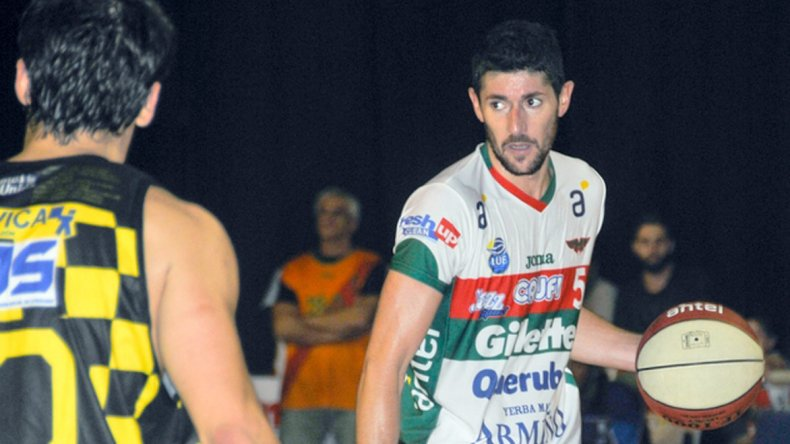 El uruguayo Gustavo Barrera también jugará en Gimnasia y Esgrima de Comodoro Rivadavia.