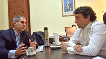 Los ministros Oca y Gilardino revisaron las cifras que deja de percibir Chubut por el decreto de Macri.