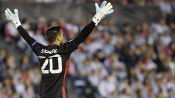 sergio romero renovo su contrato con manchester united