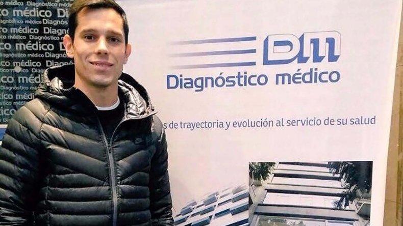 Augusto Solari en la clínica donde se realizó ayer la revisión médica.