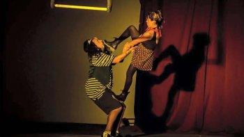 La compañía de artes circenses Caleidoskopio brindará esta tarde un show.