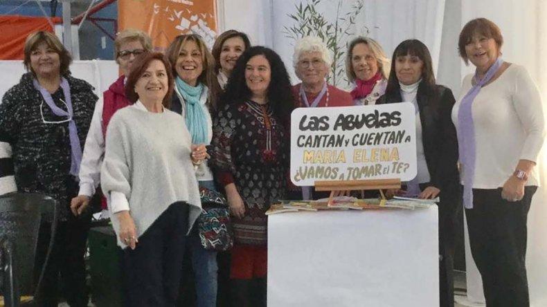 Abuelas leyeron cuentos en Puerto Madryn