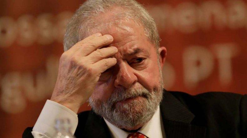 Lula apeló el falló de primera instancia y pretende ser candidato a presidente para 2018.