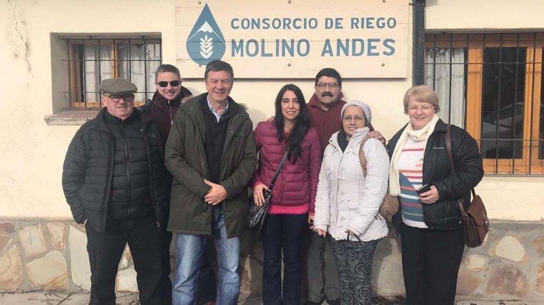 El encuentro que Gustavo Menna mantuvo con referentes del consorcio de riego Molino Andes.