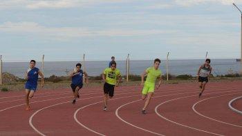 Los atletas de la zona que compitieron en pista & campo en la última década pueden consultar su evolución atlética desde internet.