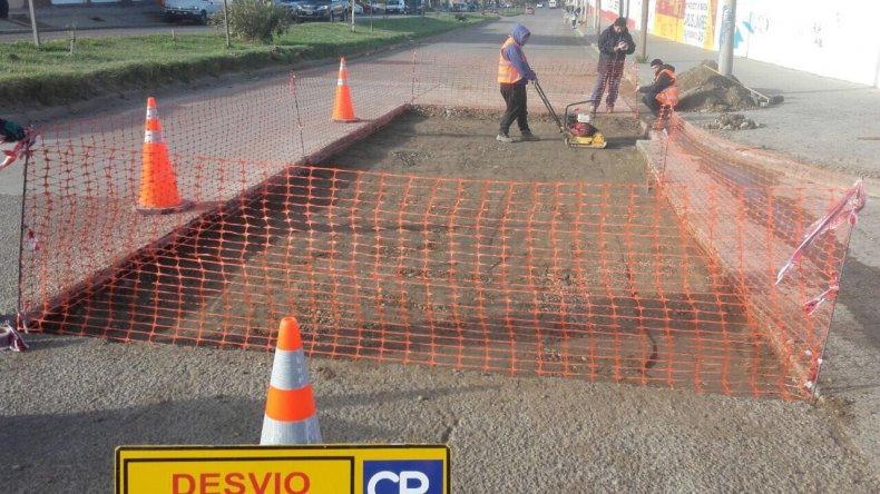En la avenida Polonia se lleva adelante uno de los trabajos de reparación de la trama vial.