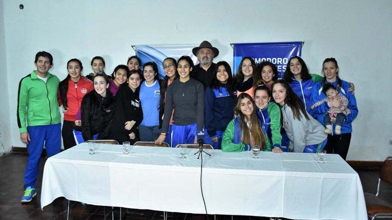 Aspecto de la presentación de la Copa Amistad de vóleibol femenino que se disputa en la ciudad.