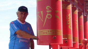 por Ricardo González, jubilado como director de la escuela de Bryn Gwyn, un gran viajero con mochila de Chubut al mundo.