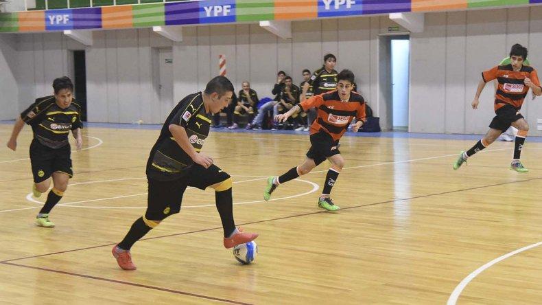 Toda la definición del fútbol de salón mayor continuará esta tarde en Comodoro Rivadavia.