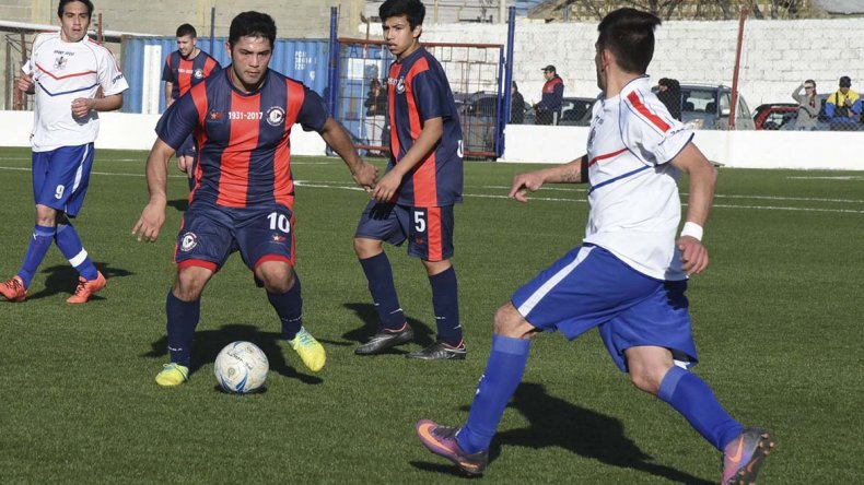 Elías Cárdenas fue uno de los puntos altos en USMA para sumar la cuarta victoria del torneo.