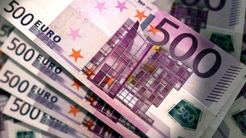 El euro fortalece su cotización internacional frente al dólar.