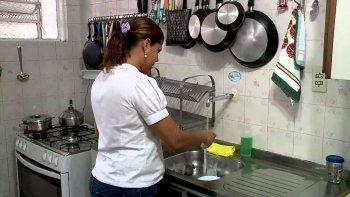 las empleadas domesticas luchan por su derecho de un trabajo en blanco