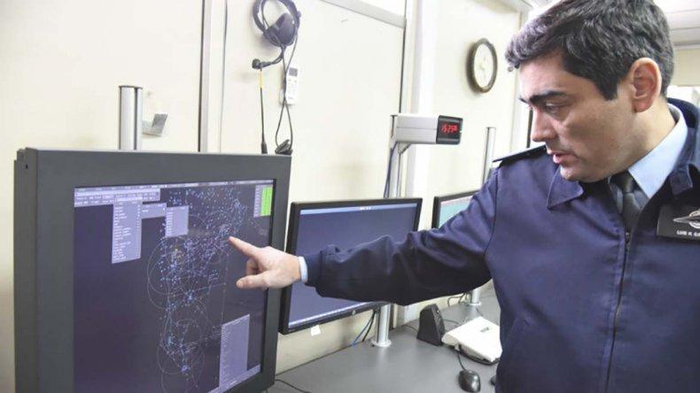 Desde el Centro de Control Aéreo de Comodoro Rivadavia se maneja toda la operatividad de los aeropuertos de la Patagonia.