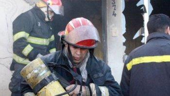 conmocion por la muerte de tres ninos en un incendio