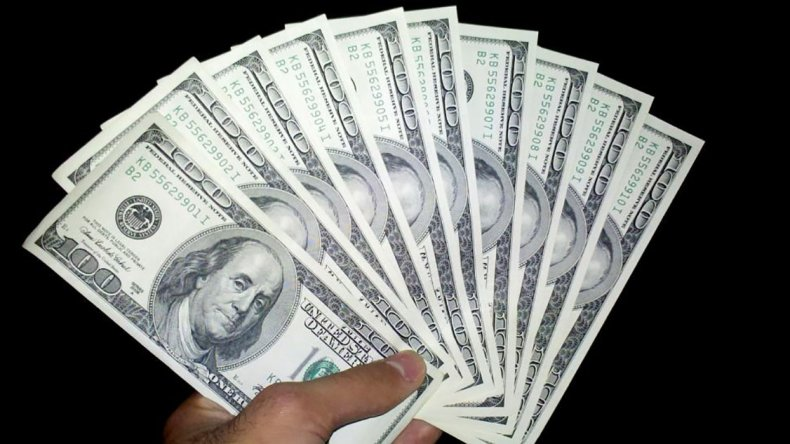 El dólar sigue batiendo récord.