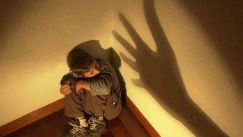 cuatro anos presa por permitir que abusen de su hijo