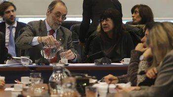 La Comisión de Asuntos Constitucionales no logró un dictamen consensuado sobre la expulsión del exministro.