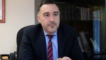 El ministro de la Producción, Leonardo Alvarez, lanzó una seria advertencia a la operadora de capitales chinos Sinopec que recientemente anunció un freno a sus inversiones en Santa Cruz.