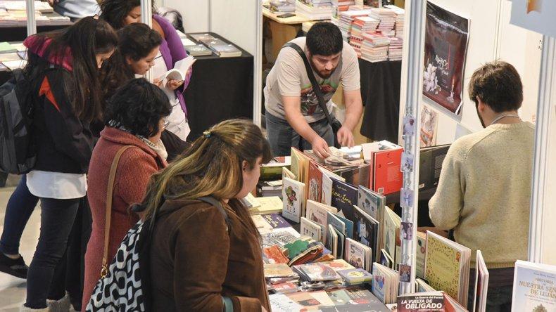 La Feria del Libro ya es un clásico en Comodoro.