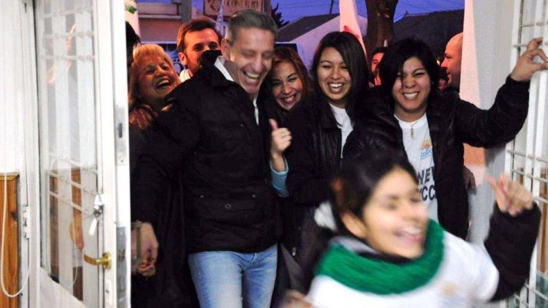 Arcioni y Muñoz contrastan el modelo inclusivo de Das Neves con la exclusión y marginalidad que practica Mauricio Macri.