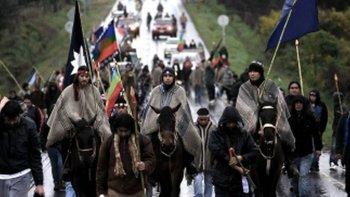 crece un 50% la cantidad de chilenos que se asumen como indigenas