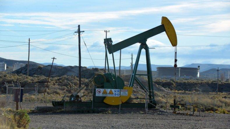 El petróleo superó los u$s49