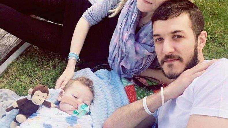 Un juez decidió el traslado del bebé Charlie Gard para morir en un hospital
