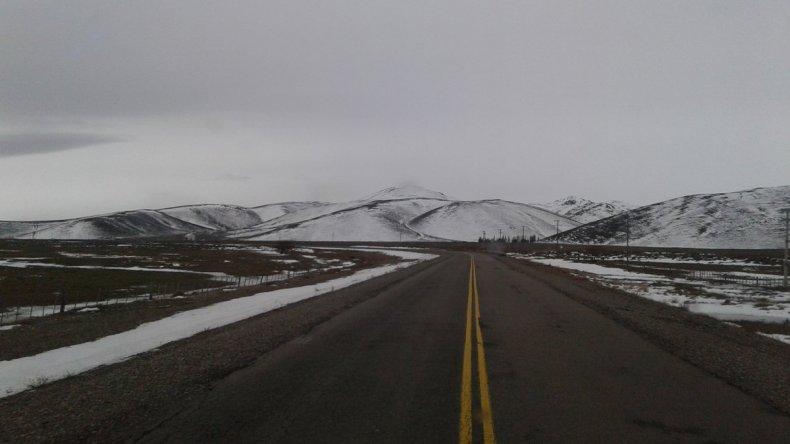 Rutas húmedas y heladas: piden circular con precaución