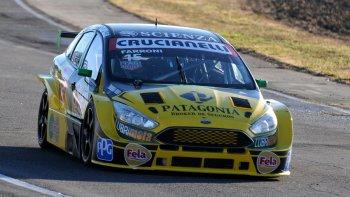 El Ford Focus del comodorense Luciano Farroni.