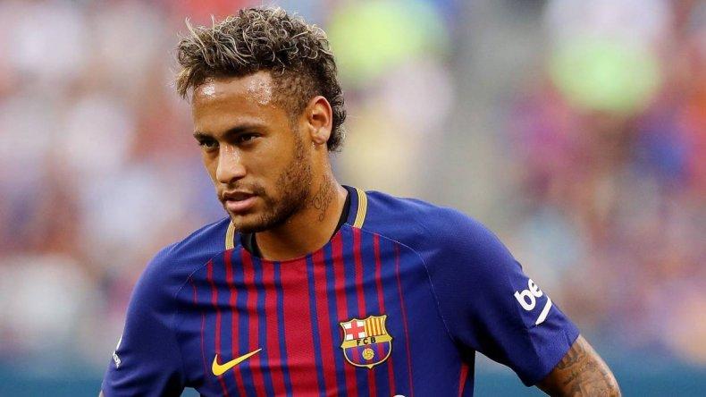 Neymar les dijo sus compañeros del Barcelona que se va al PSG