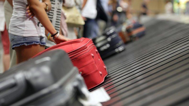 Con el gran movimiento de personas en los aeropuertos la pérdida de valijas suele ser un inconveniente muy común y es uno de los temores más grandes.