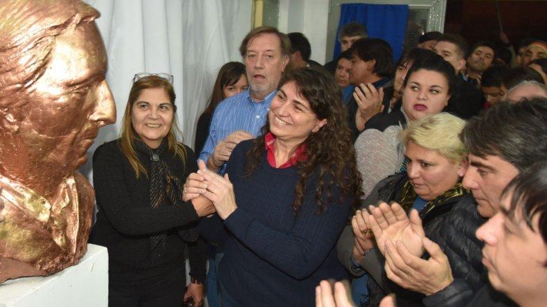 En el acto celebrado en la Casa Peronista de Caleta Olivia también quedó inaugurado un busto del expresidente de la Nación