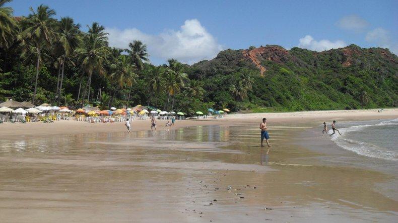 Coqueirinho es la playa más famosa y que cuenta con mayor infraestructura.