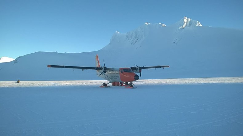 Histórico aterrizaje y rescate en Base Orcadas