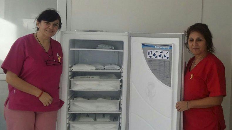 Hospitales y centros sanitarios incorporaron heladeras especiales para conservar vacunas sin que pierdan la cadena de frío.