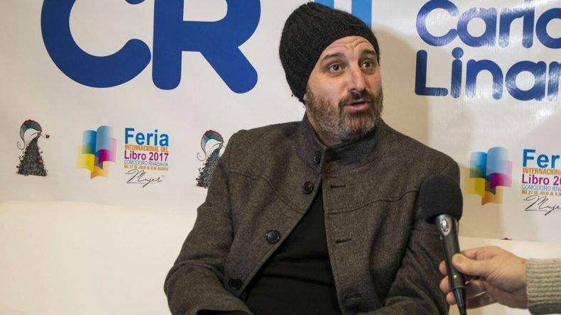 El periodista Mariano Manzanel fue uno de los protagonistas de la cuarta jornada de la Feria del Libro con la presentación de su último libro.