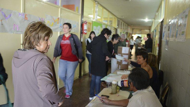 Comienza en Comodoro la capacitación de autoridades de mesa para una nueva elección.