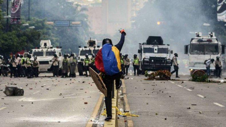 Argentina mantiene la dura condena a Venezuela