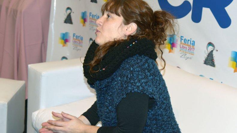 Nadia Fink fue una de las protagonistas de la sexta jornada de la Feria del Libro de Comodoro Rivadavia.