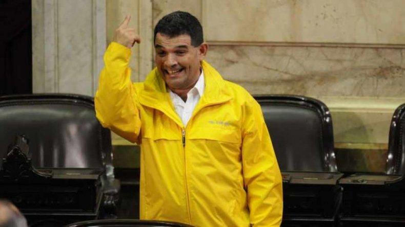 Para el diputado Olmedo el SIDA se contagia en las peluquerías